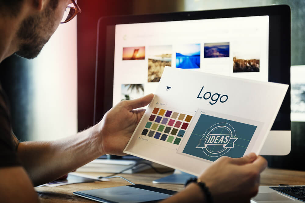איך מעצבים לוגו בחינם?